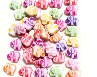 20 elephants (varied lot) Acrylic beads