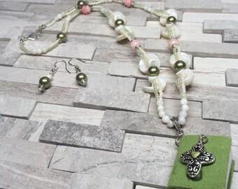 She Sells Sea Shells necklace & earrings set
