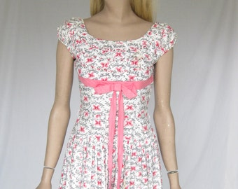 Vintage 50s Butterfly Print  Dress.  X Small