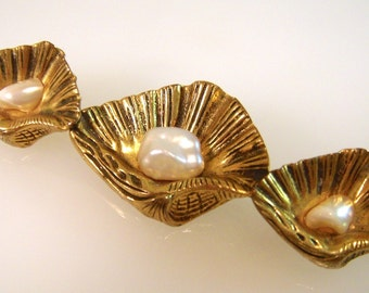 Antique Victorian Era Rolled Gold Natural Blister Pearl Sea Shell Brooch 1900