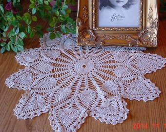 Vintage Handmade Crocheted Doily - Large Ecru Pineapple Pattern Doily