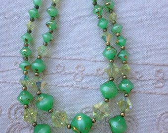 Green statement necklace, green jewelry necklace, green bead necklace, light green jewelry, green jewelry, vintage plastic bead necklace