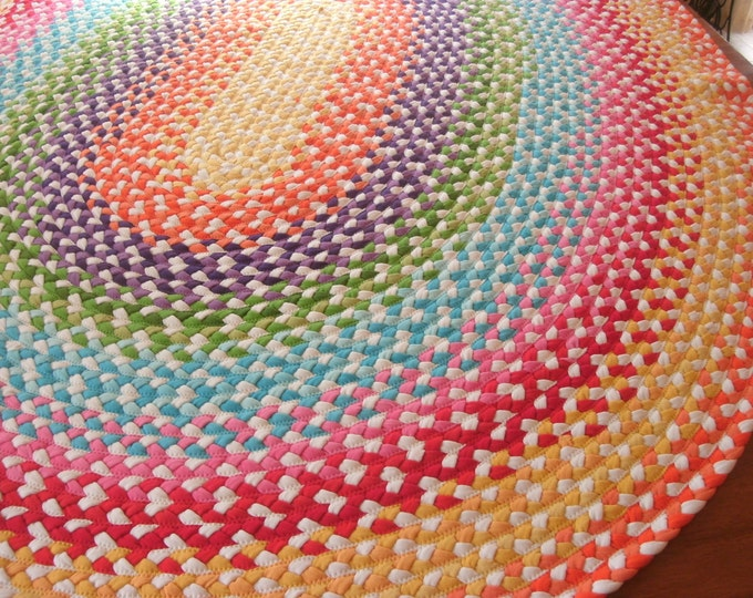 Jerris rug  shown in oval and round