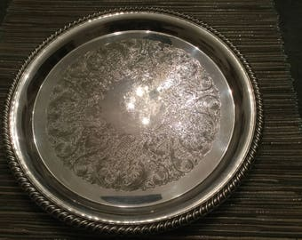 Lovely Wm Rogers silver plated round serving tray