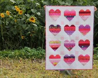 Heart patchwork quilt - 'Big Love' - modern baby quilt, kids quilt, crib quilt, girls quilt, wall hanging, nursery decor, playmat, Valentine