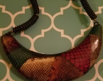 1980 's bib necklace snakeskin multicolor tribal ethnic breastplate resin and wood
