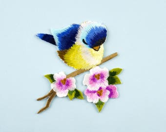 Bird Embroidery Patch/ Iron on Applique Patch/ Embroideried Patch DIY supply for Coat,T-Shirt,Jeans Craft, Sewing/feeding bird