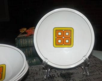 Vintage (c. late 1960s | 1970s) Ridgway Grenada pattern cereal | salad bowl. Orange, green, yellow geometric center, green band. RARE!