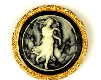 Lucite Figural Cameo Lady Brooch
