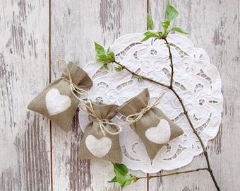 Burlap favor bags with white hearts, wedding gift bags, rustic small bags, wedding favor bags, candy bags, Shabby Chic wedding gift
