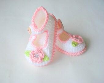 crochet Baby girl Booties, white pink flowered baby shoes, baby sandals 6 to 12 months, crochet baby shoes, baby socks, knitted slippers
