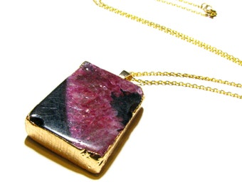 Pink & Black Agate Pendant Necklace - Sparkly Druzy Rectangular Stone Pendant w/ Gold Electroplated Frame