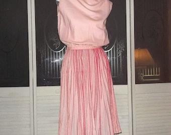 Vintage 60s Secretary Swing Day Dress Accordian Pleats