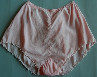 Vintage lingerie 1930's, Silk tap pants, small embroideries, light peach color