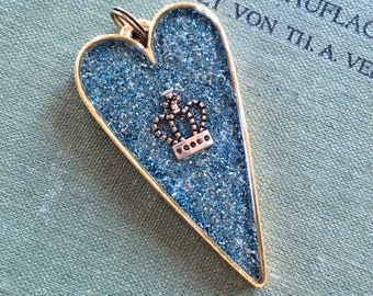 Sparkling Heart Pendant with Crown in resin,  Large Heart Shaped Sparkle Pendant HandMade, Gift for Mom