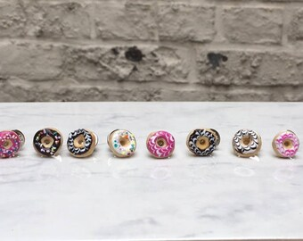 Doughnut Pin