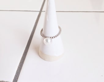 silver ring with freshwater pearl