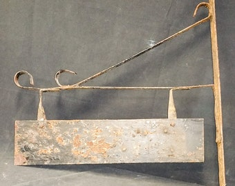 Antique Iron Metal Sign Bracket with Plate