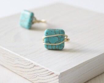 Bague carré de magnésite turquoise fil d'or | Anti ternissure bague en fil