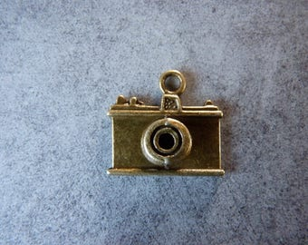Bronze camera charm