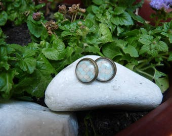 Stud Earrings with cabochon in pastel shades