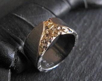 Black Gold Ring Cobblestone 10mm Unisex Ring Size 6 1/2 Mens Rings Mens Wedding Band Viking Wedding Ring Mens Wedding Bands Mens Wedding