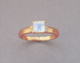 Rose Gold Moonstone Engagement Ring, Rose Gold Antique Moonstone Ring, Princess Cut Moonstone Promise Ring, Rainbow Moonstone Vintage Ring