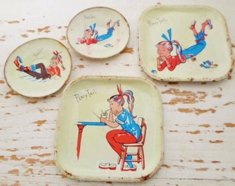 Vintage 1958-1959 Tin Litho Toy Plates, Pony Tail, 4 Plates, 2 Round, 2 Square, Retro, Girl, Toy Dishes, 50s, Toy, Play Dishes, Child Toy