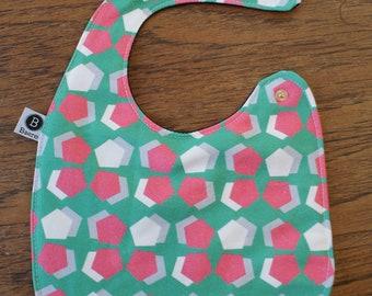 Baby bib with waterproof back turquoise hexagon