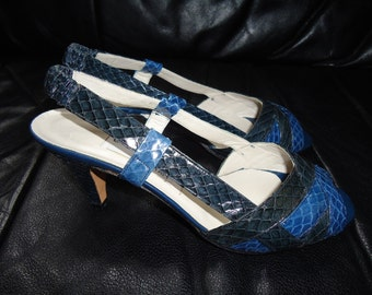 Vintage 1970's Navy and Black Leather and Snakeskin Open Toed Heels Size 7 1/2 Made in Italy