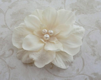 Light Ivory Hair Clip - Bridal Ivory Flower Clip  - Small Ivory Flower - Bridesmaids Flower Clip  - Bridal Hairpiece - Ivory Hair Pin