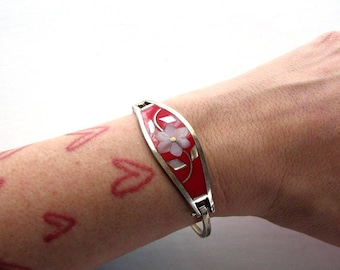 alpaca mexico hinge bracelet . red vintage bracelet with abalone shell inlay flower . 1970s hippie boho jewelry