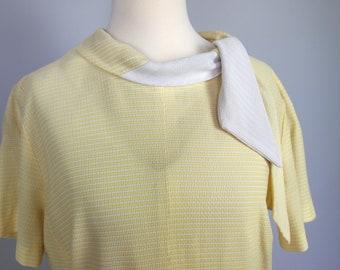 Sixties 60s Sunshine Yellow Dress - Vintage Secretary Dress - Day Dress - Plus Size Vintage
