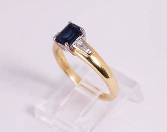 18K Yellow Gold Sapphire and Diamond Ring, size 6.5