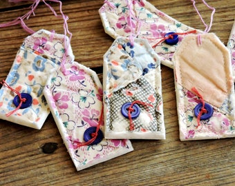 Textile Fiber Art Tags, Quilted Patchwork Package Labels, Prim Vintage Feedsack Fabric Gift Wrap Tie Ons, Place Setting Cards itsyourcountry