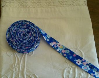 1 meter of bias flowers 20 mm / liberty / Royal blue background