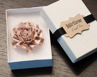 Blush Wedding Flower Lapel Pin - Dusty Rose/Blush Carnation Kanzashi Lapel Pin