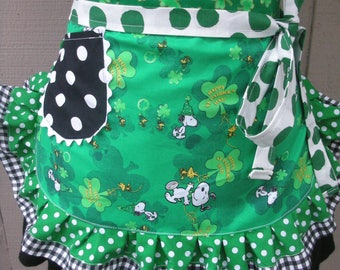 Womens Aprons - Snoopy Aprons - Saint Patricks Day Aprons - Peanuts Aprons - Green Irish Aprons - Annies Attic Aprons - Irish Snoopy Aprons