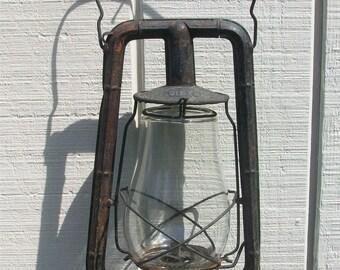 Antique Vintage Dietz Monarch 13-1/2 inch Lantern