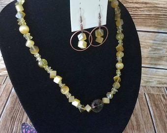 New Golden Beads with Brown  Briollete Style Faceted Glass Oval Pendent and Earrings Jewelry Set