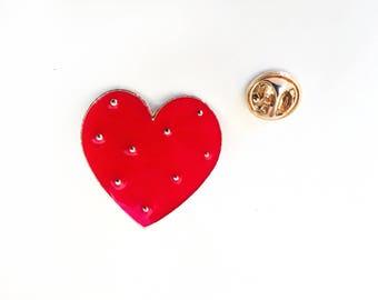 Enamel Heart Pin - Red Enamel Pin - Valentine's Gift - Gift for Knitter - Pin Game - Hard Enamel Pins - Knitting Pin- Crocheter Pin