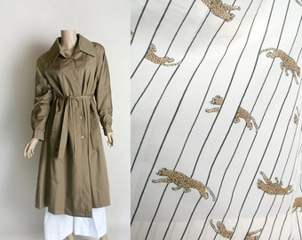 Vintage 1970s Coat - Long Weatherproof Trench Coat with Cheetah Print Lining - Raincheetahs - Jungle Safari Novelty Print - Medium Large
