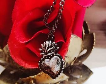 Mini Sacred Heart Necklace Sacre Coeur heart Necklace Collier Halskette Heiliges Herz