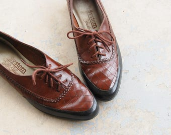 vintage 80s Oxfords - 1980s Two Tone Spectator Shoes Flats Lace up Brogues Sz 9.5 40