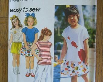 Simplicity 9077, Girl's Top Pants Shorts Skirt