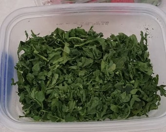 Parrot Food Bag of Dehydrated Spinach Leaves