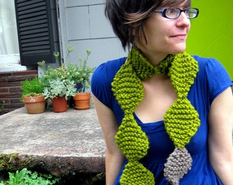KNITTING PATTERN - Fun, Wavy Long Scarf