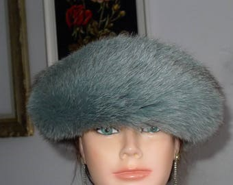 Pretty vintage light green fox fur hat with suede top - S/M - nice hat in pale green Fox with suede top