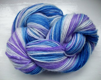 Sock yarn, hand dyed wool, dip dyed, violet, blue, bold and bright 100g by SpinningStreak