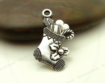 8 Christmas Stocking Charms (Double Sided) 22x12mm Antique Silver Tone Metal - Christmas Stocking Pendants - BL1